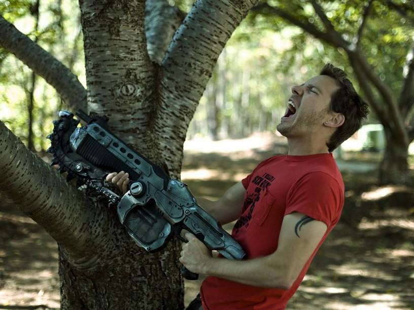 Cliffyb with Gears gun