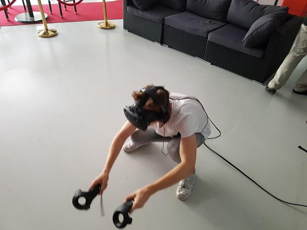 @Virtual Reality with VR FUN World