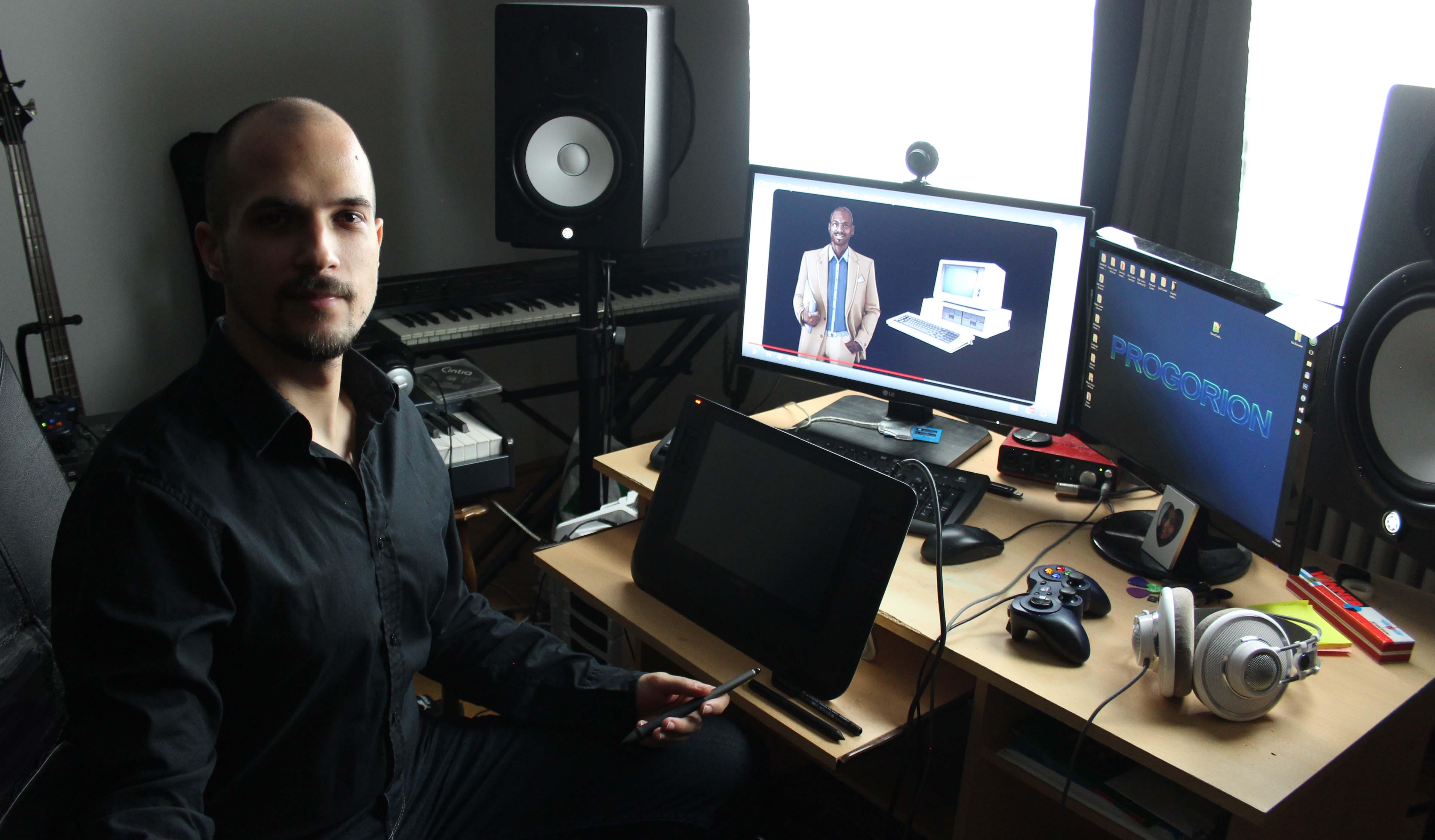 Studioban smaller